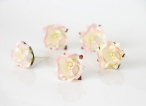 Цветок яблони Светло-розовый + молочный 1 шт.