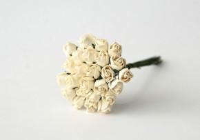 Бутоны роз полураскрытые молочные, 1 шт.